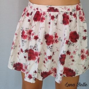 American Eagle Outfitters Floral Skirt White Red